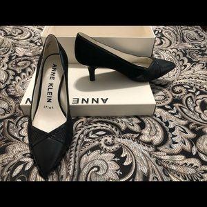 Anne Klein Finn Pump shoes. Size 6
